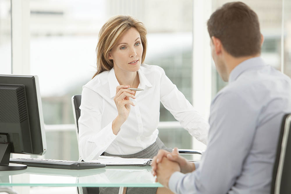 Как осуществляется возврат денег за пройденный сотрудником медосмотр при приеме на работу