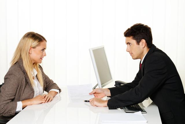 Как уменьшить оклад работнику законно?